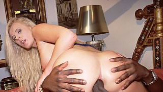 Sandra Russo Shows Her Deep Sexual Interest in Chocolate Loving