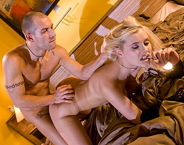 Private  porn video: Alexa Bold heeft hardcore anaal sex in een motel met een blowjob en een facial