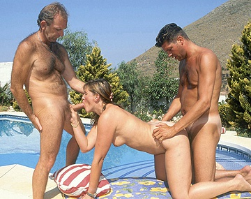 Private  porn video: Brandy Gets a Facial after Sucking Dick in an Outdoor MMF Threesome
