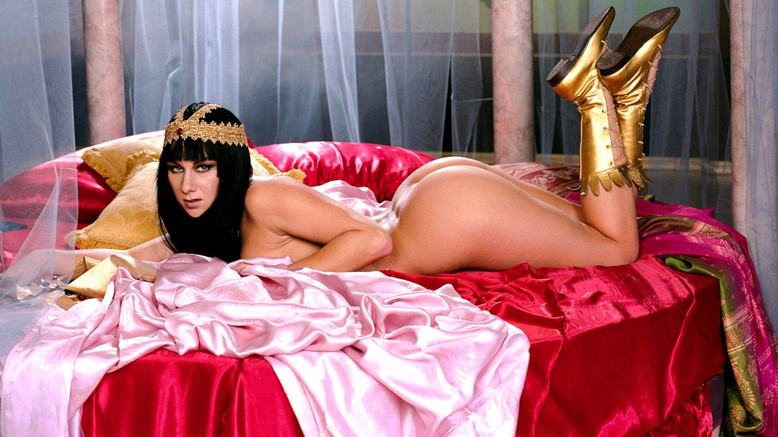 Cleopatra Cannot Get Enough Fresh Cock inside Her Hole