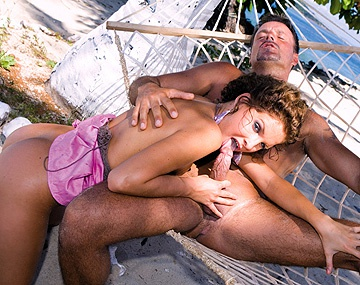 Private HD porn video: Miss Lauren Is on a Tropical Island and Meets a Man for Sex