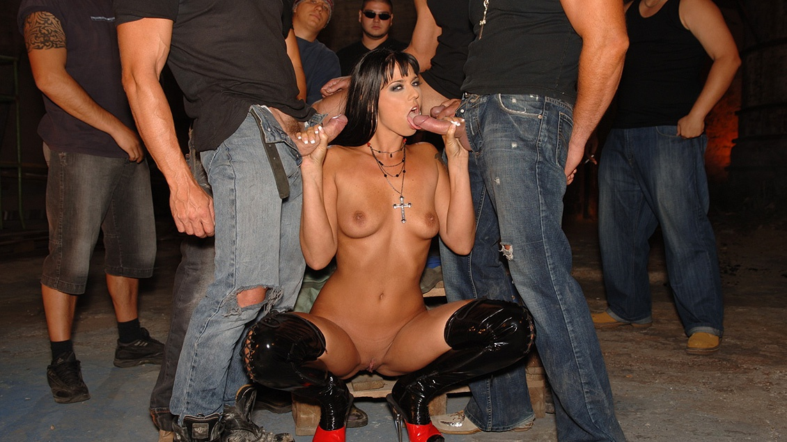 Simony Diamond Gets a DP and Gives Several Blowjobs in This Gangbang