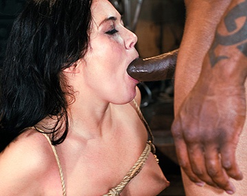 Private  porn video: Ashley Blue sumisa atada y torturada, traga la leche del negro Mr. Marcus después de ser enculada