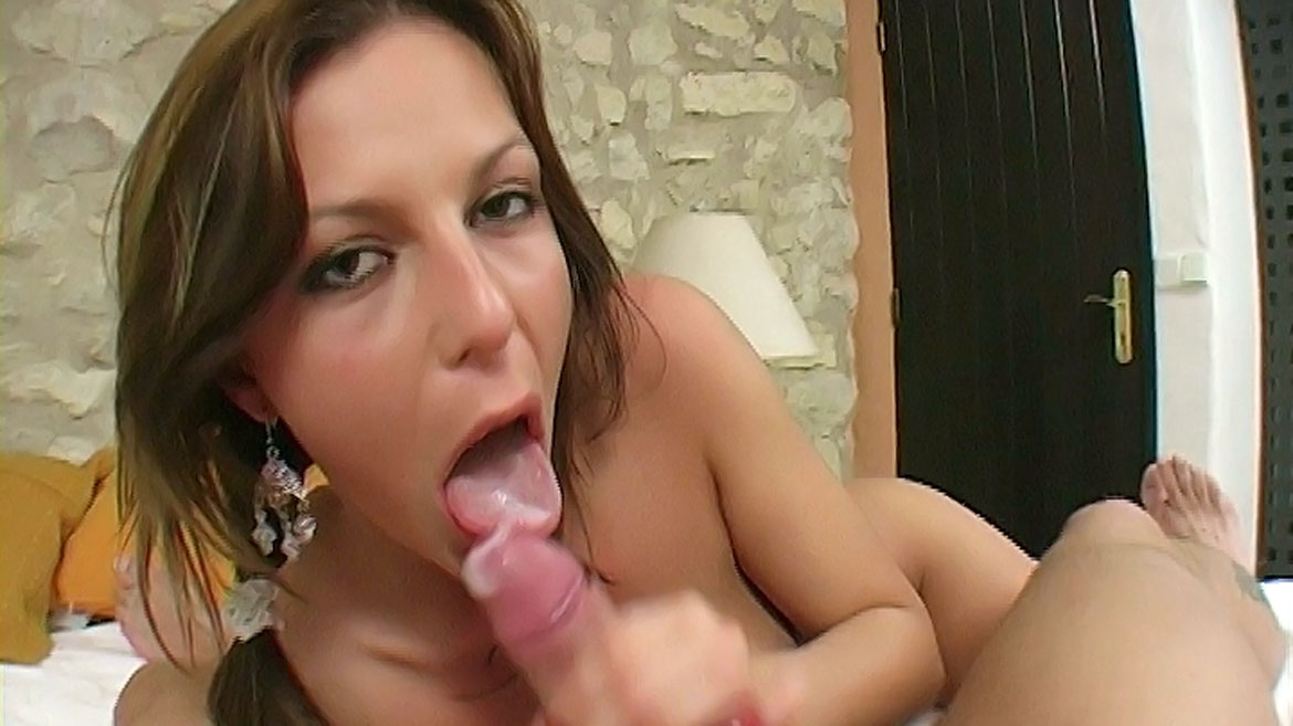 Jennifer Love Gives POV Titty Fuck before Giving Blowjob for Facial