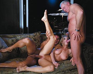 Private  porn video: La fiesta de las salchichas en casa de Jessica Dee