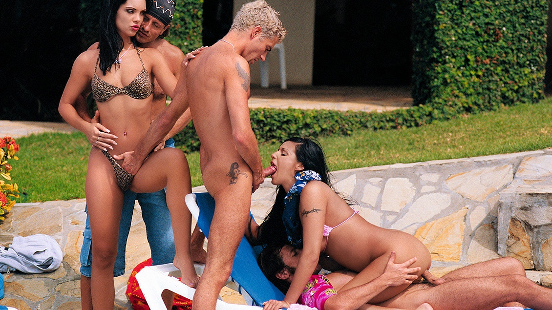 Cindy Lords and Claudia Ferrari Enjoy Pussy Licking during Wild Orgy