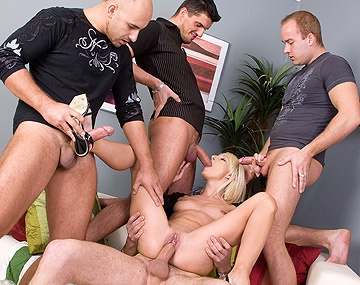 Private HD porn video: Lena Cova's gangbang facial feestje