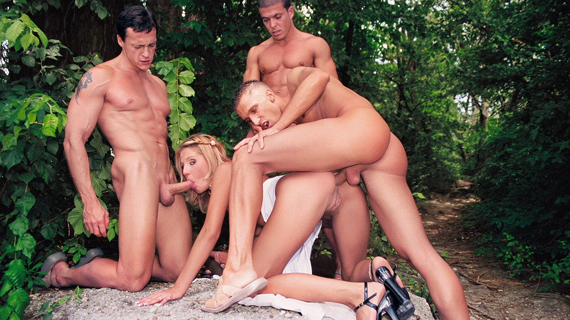 Melissa Black Has Sex with Several Men in the Park