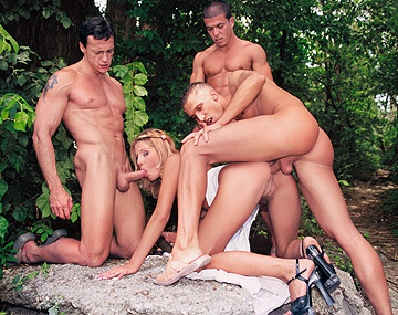 Private  porn video: Melissa Black Has Sex with Several Men in the Park