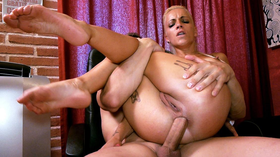 Jordanne Kali, francesa y viciosa le va el anal y tragar lefa grumosa