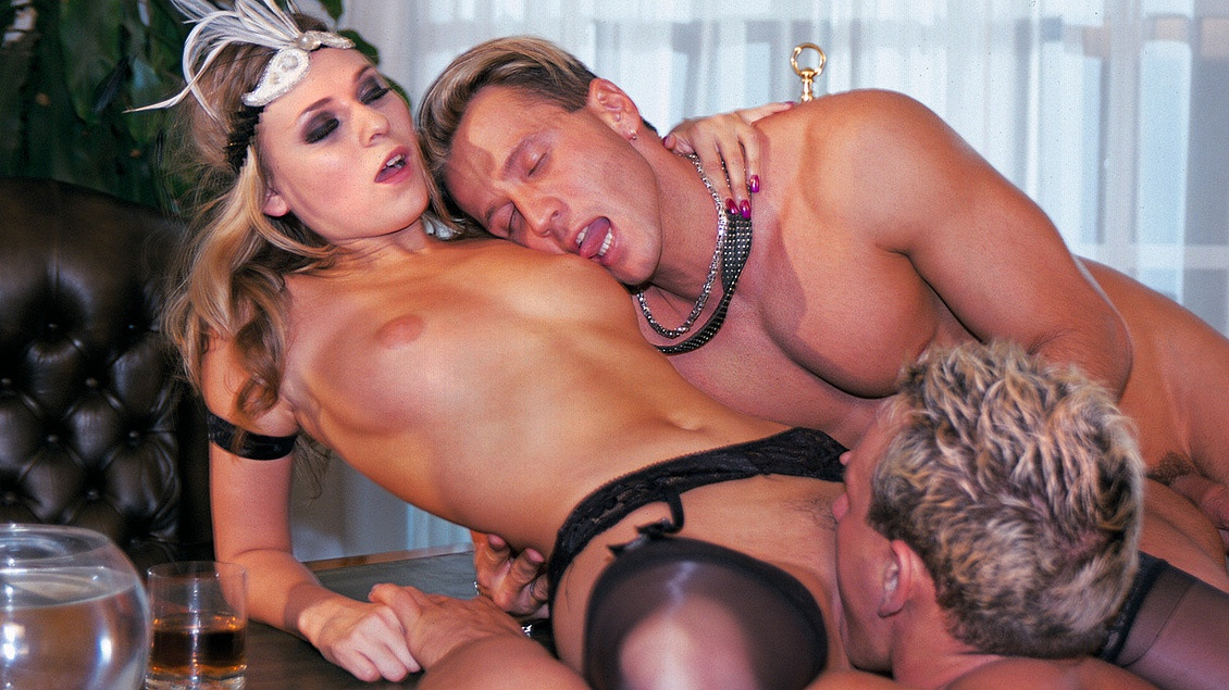 Victoria Swinger Spends the Night Getting a DP in a MMF Threesome
