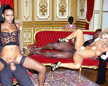 Private  porn video: Bettina and Dolly Are in Paris Screwing a Couple of Lucky Guys