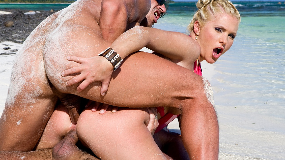 Kathy Anderson Moans While Being Double Plugged on the Beach