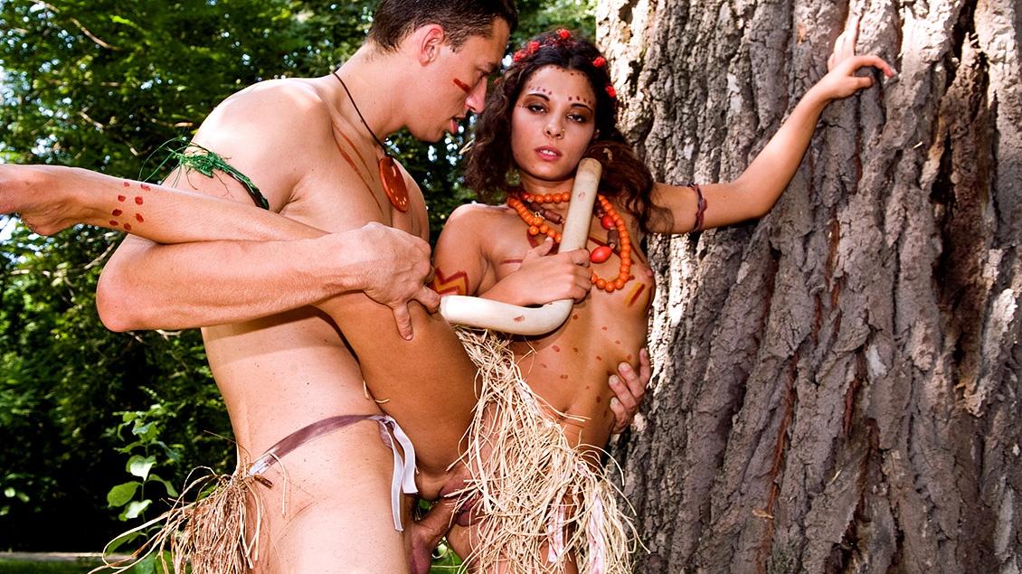 En la tribu de Janet Joy cuando cumples 18 con las chicas el principal ritual es partirles el ojal