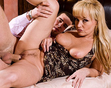 Private  porn video: Blonde MILF Renata Talks Man into Buying House for Anal Sex