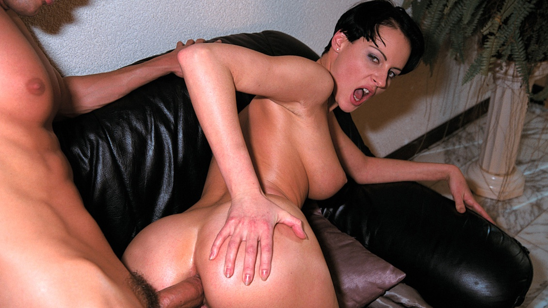 Michelle Wild Loves Having Her Mans Hard Rod Sliding into Her Asshole