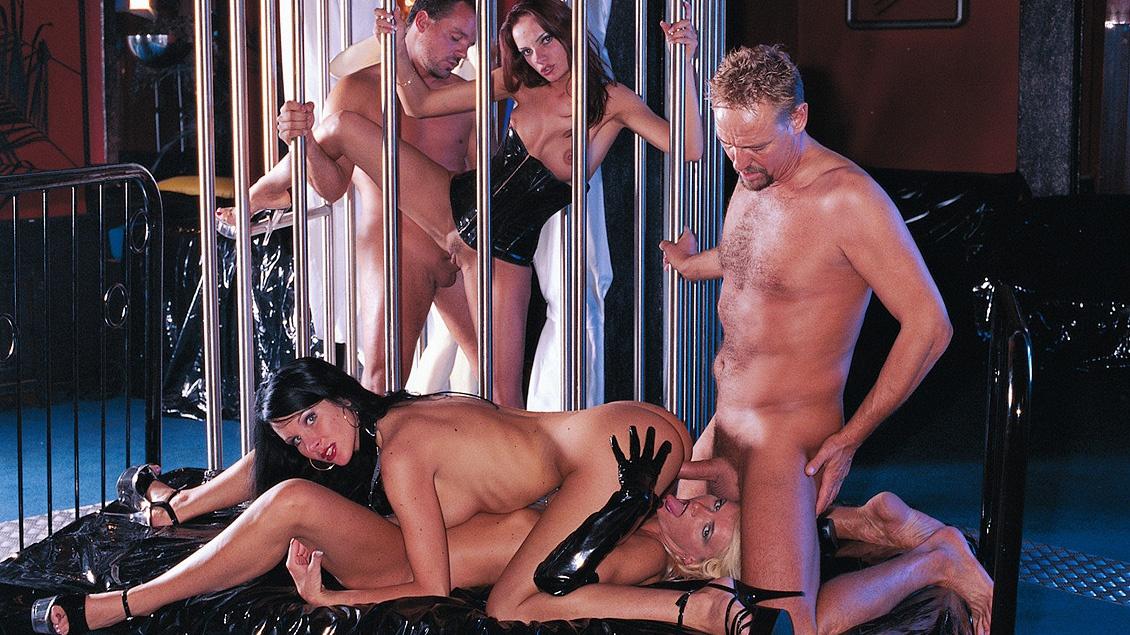 Geile, feuchte 5er Orgie mit Angelique und Ihren Freundinnen