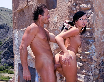 Private HD porn video: Suzie Diamond juega al paintball y se come hasta las bolas de su contrincante