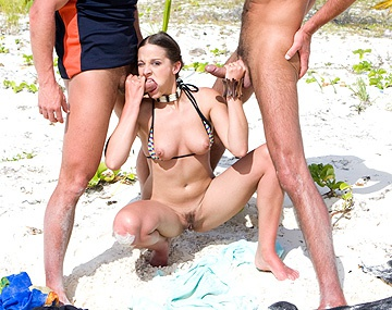 Private  porn video: Poppy Morgan sobre un tronco en la playa prueba el DP y ni con leche en la cara se calla