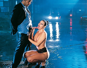 Private  porn video: Laura Angel, Tragando Bajo la Lluvia