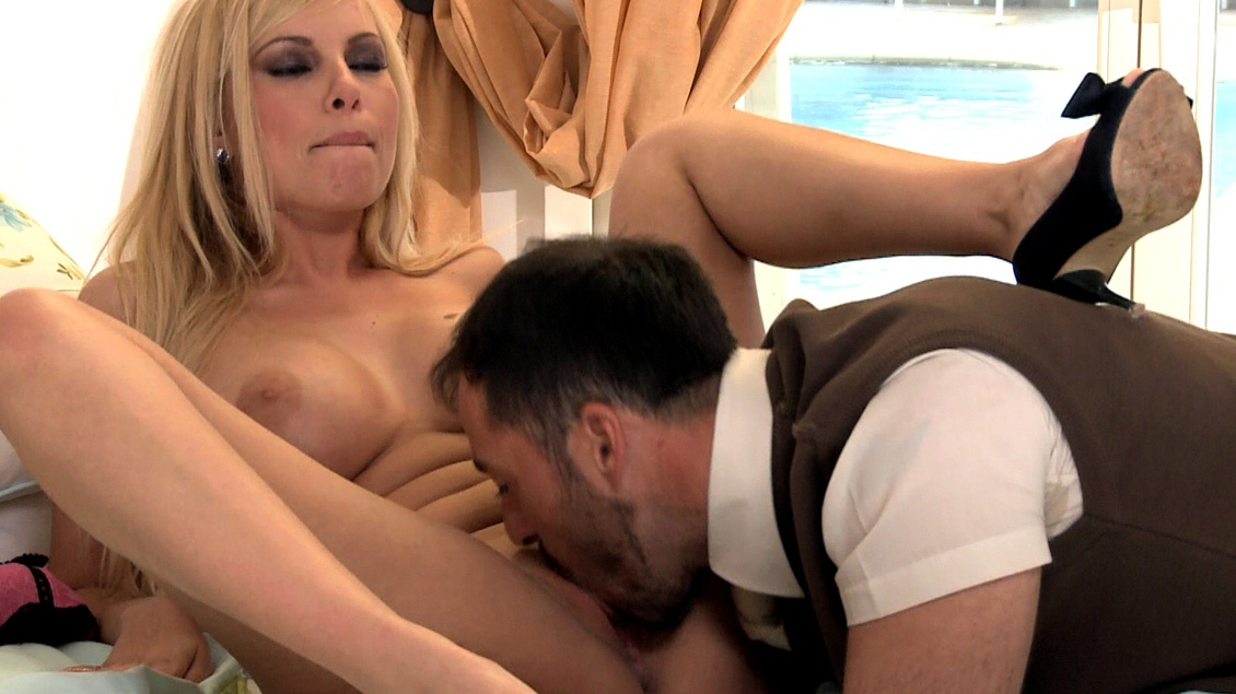 Donna Bell Gets a Piledriver before Being Covered with a Large Cumshot