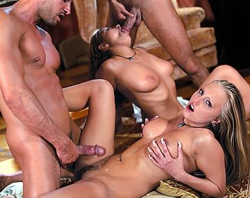 Private  porn video: Die zwei sexy Mädchen in diesem Clip haben Spaß an Parties und Hardcore Sex