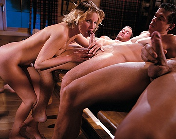 Private  porn video: Gang bang avec Tina Wagner pipe double pénétration sodo et éjacs