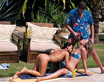 Private  porn video: Cristina Bella and Jessica May Outdoor Threeway with Bisexual Lovers