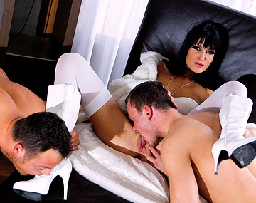 Private  porn video: Sarah Twain Takes on Two Guys with Blowjobs and Handjobs for Facials