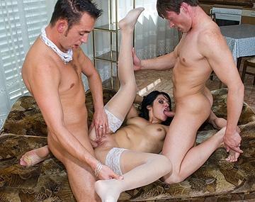 Private  porn video: Después del trío los demás me haréis un bukkake