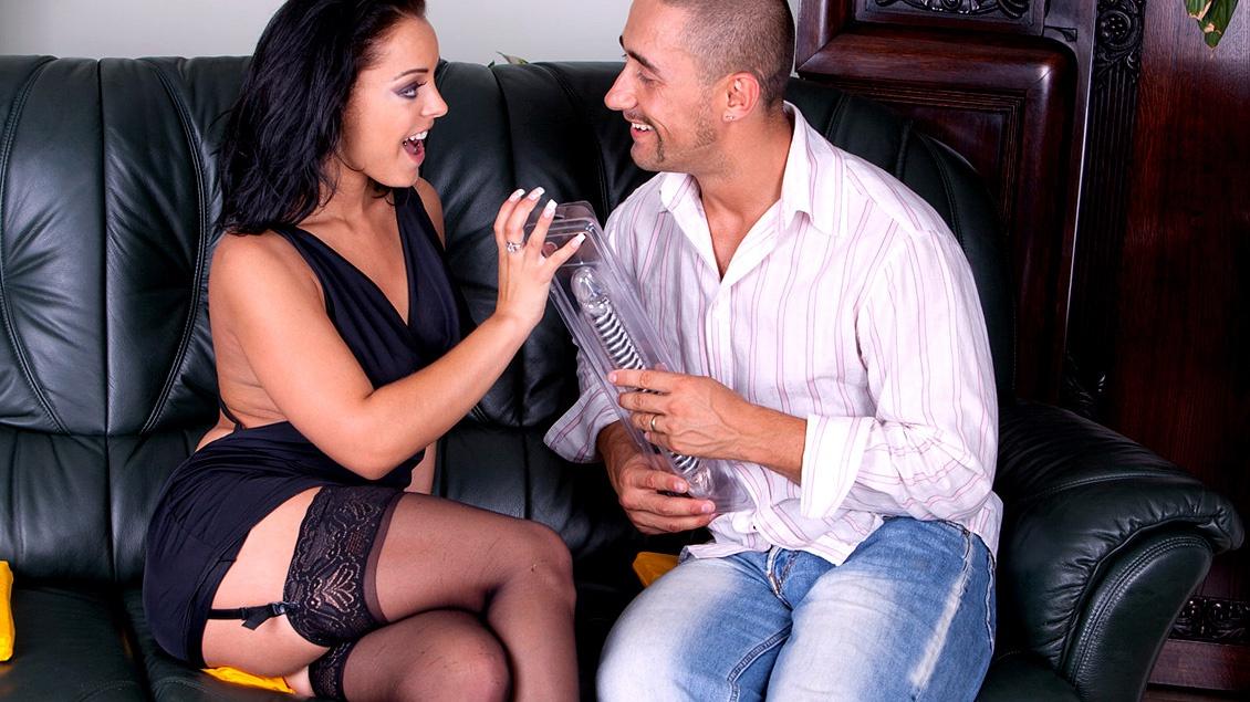 Liza Del Sierra met de grote tieten krijgt een DP van een echte lul en een dildo