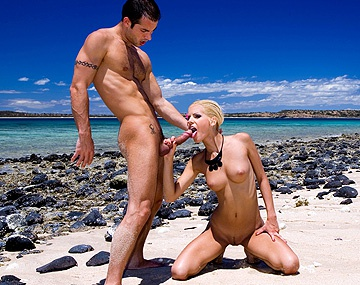 Private HD porn video: Boroka Balls Profite Du Soleil Et De Quelques Bites À La Plage