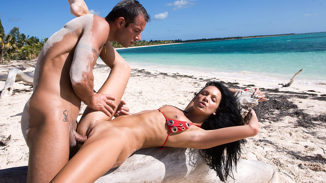 Lovely Regina on the Beach Taking a Lovers Hard Meat inside of Her