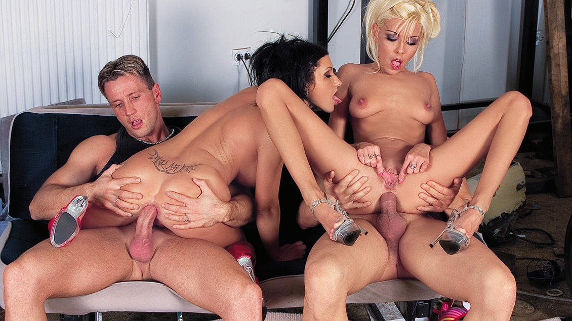 Hot and Freaky Nikky Blonde and Nikky Rider Sex Party