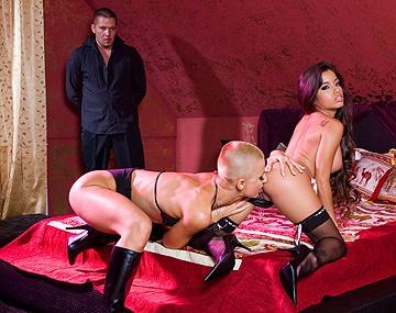 Private HD porn video: C.J. et Zuleidy se partagent le sperme dégoulinant d'un mec dans une scène bi hardcore