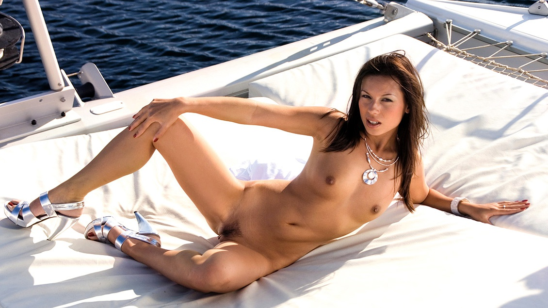 Vanessa May Gets to Ride a Hard Rod While on a Yacht in a MMF Threeway