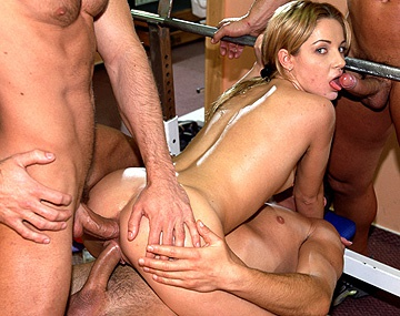 Private  porn video: Miss Vanda Joins a Couple of Her Favorite Men in the Gym for Sex