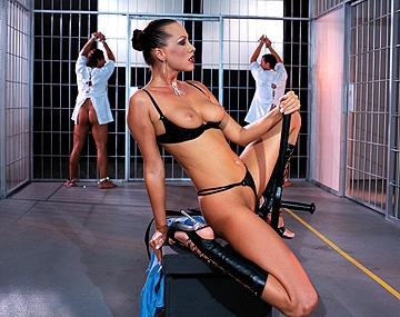Private  porn video: Large Choix De Pénis En Prison Pour Mandy Bright Et Nika Play