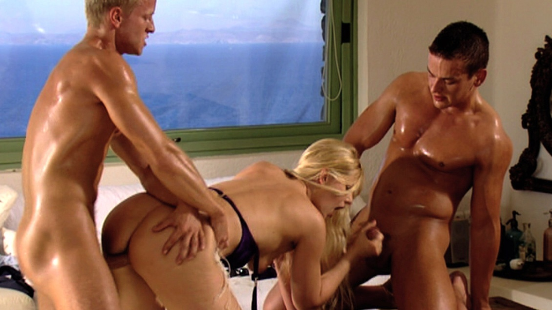 Sandra Mark Visits Two Guys for a MMF Threeway with a Blowjob and a DP