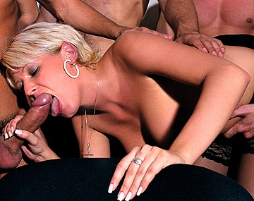 Private  porn video: Scène d'orgie avec Angelina Sweet, Carol, Jeny, Lucy Anne et Patrigia