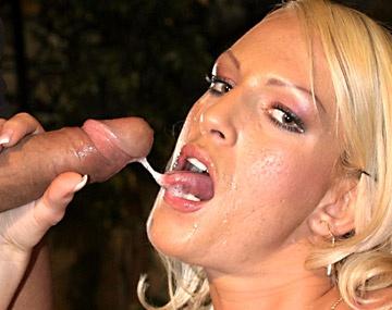 Private  porn video: Judith Blond, rubia de grandes peras, se come un rabo y se traga la leche de veras