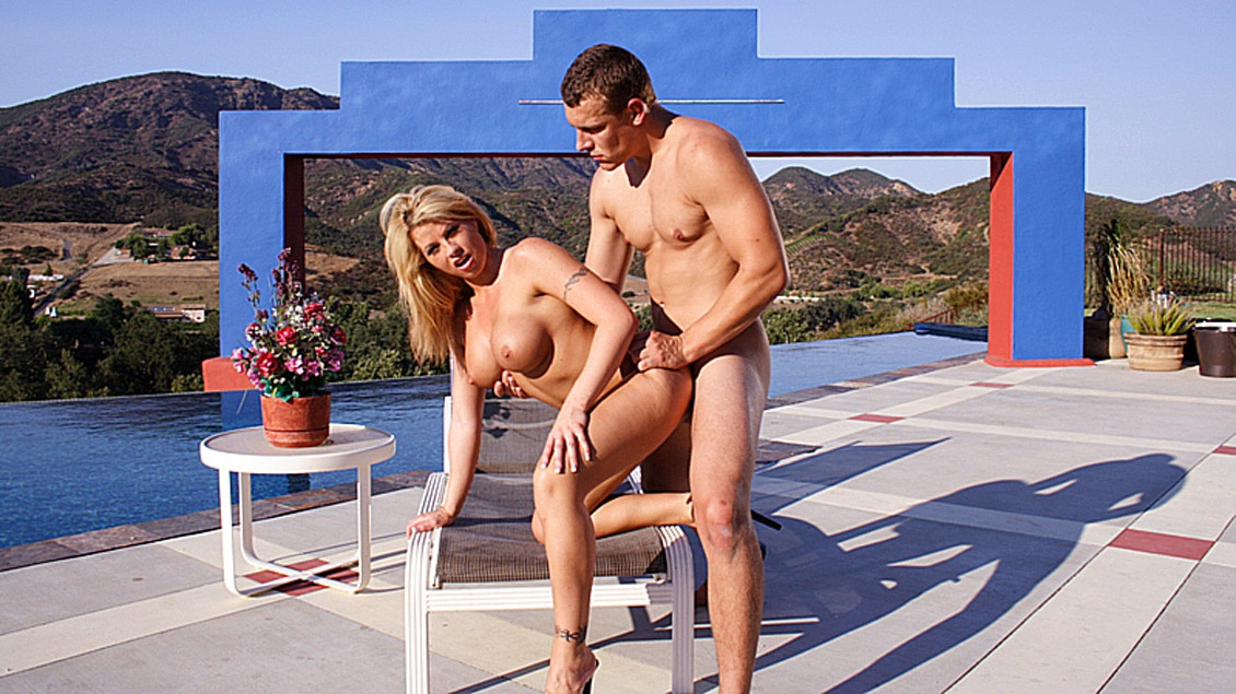 Miss Brooke Haven Gets Fucked Hard outside by the Pool
