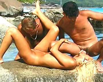 Private  porn video: Blonde Suzan Gets Fucked by Two Men While Playing in the Ocean