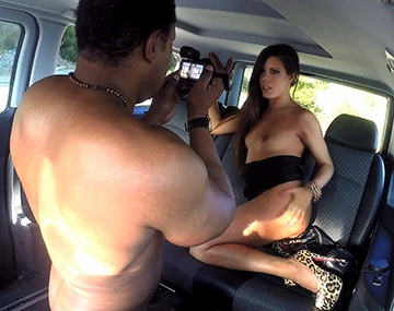 Private HD porn video: Gala heeft seks in een taxi