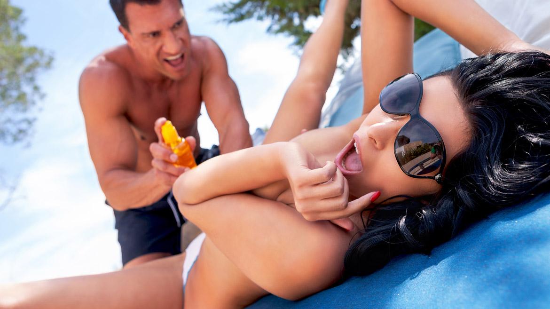 Kira Queen, la rusa más rolliza se lo monta con Marco Banderas en Ibiza