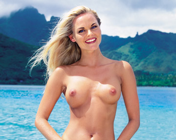 Private  porn video: Katja baise dans les eaux tropicale de Bora Bora