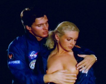 Private  porn video: De blonde Christina zuigt hem af in Zero Gravity Space capsule
