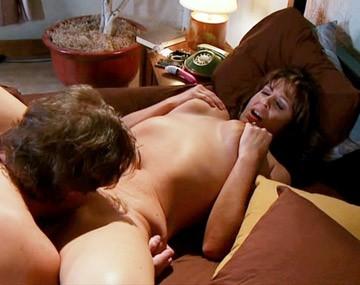 Private HD porn video: Trina Cox pijpt de pik van haar vriend waarna hij haar kutje beft tot ze klaarkomt