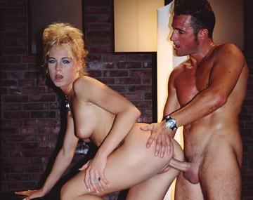 Private  porn video: Nachdem Lynn einen dicken Schwanz im Arsch hatte bekommt sie eine saftige Ladung Sperma ins Gesicht