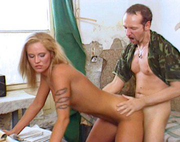 Private  porn video: Cassandra Wild Does Her Best to Screw a Gigantic Cock